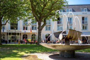Badhotel Domburg op VisitDomburg - foto van buitenkant Badhotel