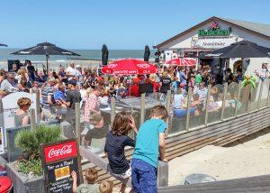 Strandpaviljoen Noordduine VisitDomburg - foto van het strandpaviljoen in de zomer