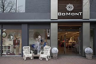 Bomont Domburg op VisitDomburg - foto van voorkant winkel