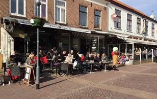 't Begin Domburg op VisitDomburg - een foto van de voorkant van 't Begin