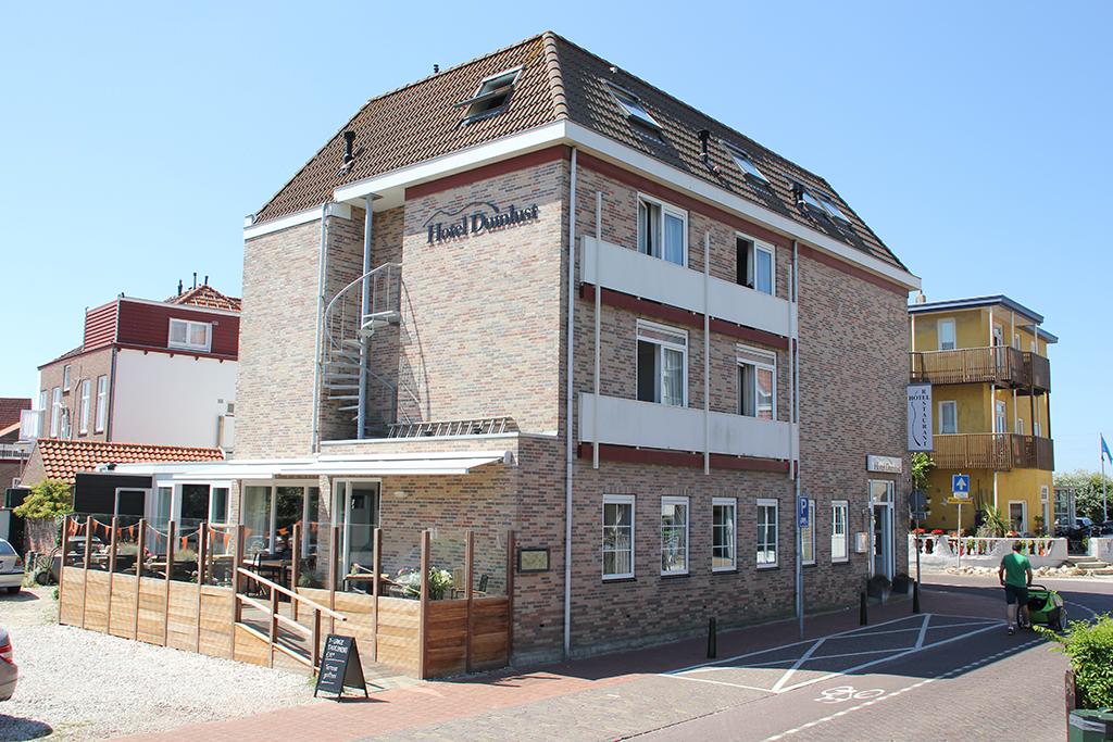 Hotel Restaurant Duinlust VisitDomburg - foto van buitenkant restaurant