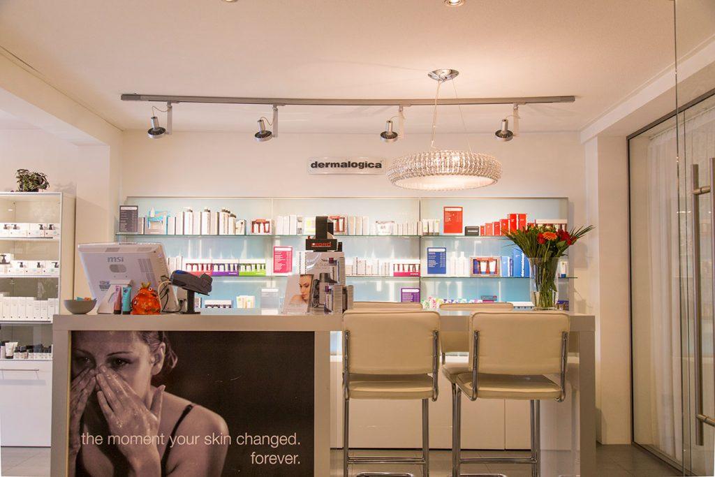 Skincare Center & Luxury Domburg op VisitDomburg - foto van winkel aan binnenkant