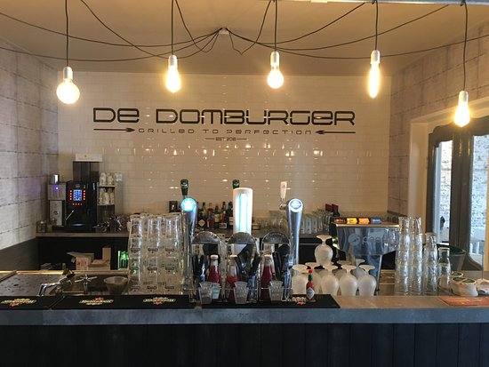 De Domburger VisitDomburg - Foto van bar in restaurant De Domburger