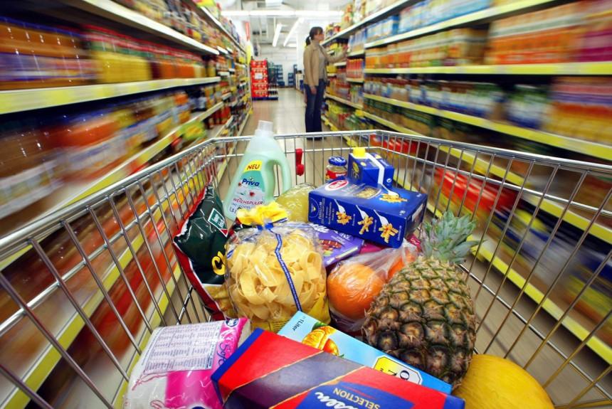 Supermarkt Hof Domburg VisitDomburg - foto van winkelwagen met boodschappen in supermarkt