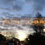 Domburg foto's - Winterversiering VisitDomburg - -foto van sfeerverlichting binnenkomst Domburg