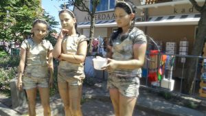 Statue Festival Domburg - deelnemende kinderen - VisitDomburg