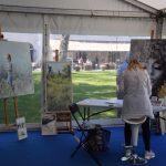 Schildersweek Domburg 2018 - schilder aan het werk in tent voor Badhotel - VisitDomburg
