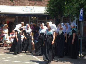 Boerenmarkt en ringrijden in Domburg - Zeeuwse dansgroep - evenementen VisitDomburg